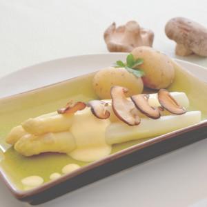 Weißer Spargel mit Shiitake